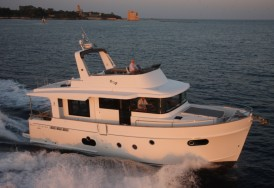 Яхта Beneteau Swift Trawler 50 - навигация