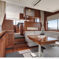 Яхта Beneteau Swift Trawler 50 - салон
