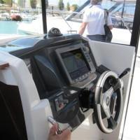 Beneteau Barracuda 9 - пост управления
