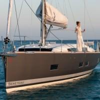 Парусная яхта Beneteau Oceanis 55 - серый корпус