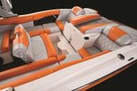 Катер-буксировщик для вейкбординга и водных лыж MasterCraft X46