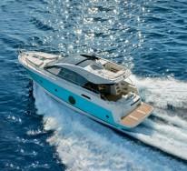 Яхта Beneteau Montecarlo 5s в движении