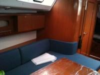 Beneteau Oceanis 40 - салон